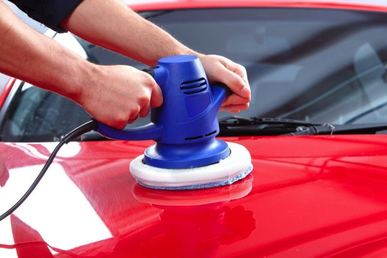 Auto polishing for red car